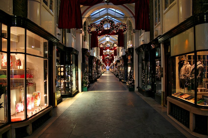 Retail – How to Win Consumers' Minds Next Christmas?
